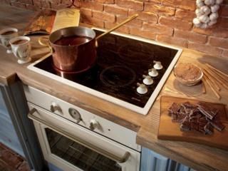 Дверца CompactDoor в духовках кухонных плит Gorenje