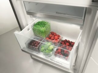 Контейнер для овощей CrispZone с контролем влажности HumidityControl в холодильниках Gorenje
